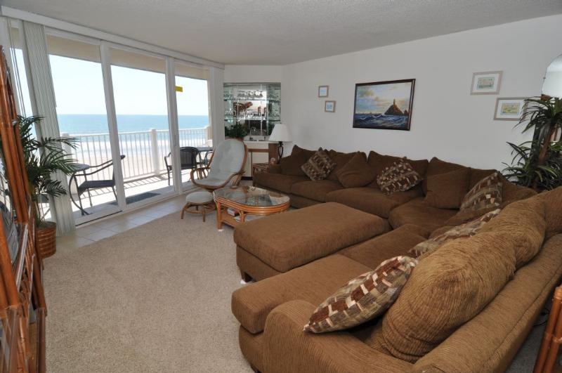 Living Room - St. Regis 1208 - North Topsail Beach - rentals