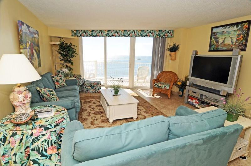Living Room - St. Regis 2507 Oceanfront! | Indoor Pool, Outdoor Pool, Hot Tub, Tennis Courts, Playground - North Topsail Beach - rentals