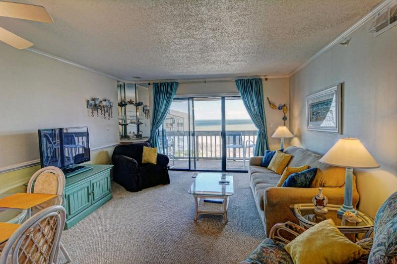 Living Area - Topsail Dunes 3403 Oceanfront! | Community Pool, Tennis Courts, Grill Area, Elevator - North Topsail Beach - rentals