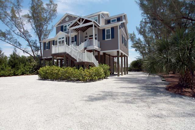 Exterior Front - Beach to Bay Boat Parade Home - Palm Island - rentals