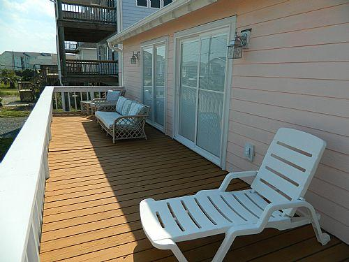 Ocean Side Deck - Poppy's Place - Surf City - rentals