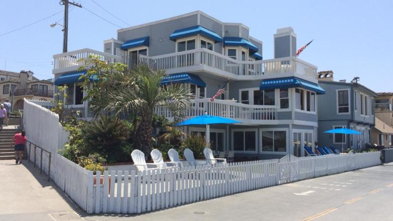 BEVERLY HILLS 90210 BEACH HOUSE - Image 1 - Manhattan Beach - rentals