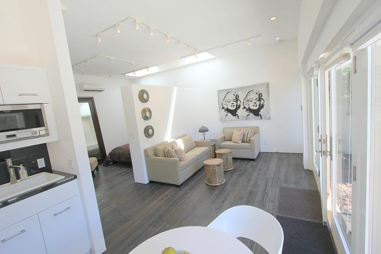 West Hollywood Luxurious Studio/1 bedroom  (4129) - Image 1 - Los Angeles - rentals
