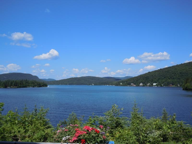 Exceptional views of the lake and mountains - Breathtaking views! Lakefront Laurentian Cottage - Sainte Agathe des Monts - rentals