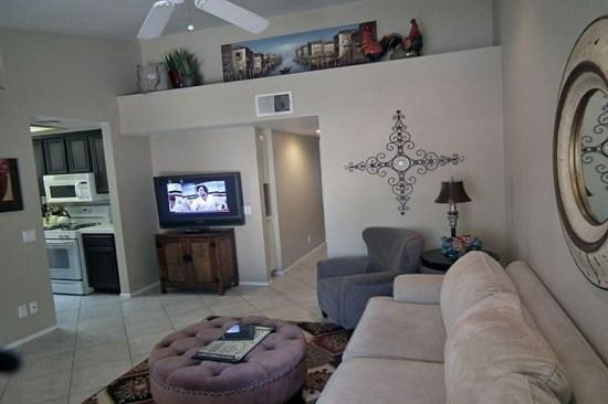 Living Room with Vaulted Ceiling - Vista Dunes Palm Desert Two Bedroom #5-4 - Palm Desert - rentals