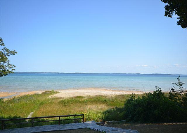 Suttons Bay Splendor on West Bay in Suttons Bay - Image 1 - Suttons Bay - rentals