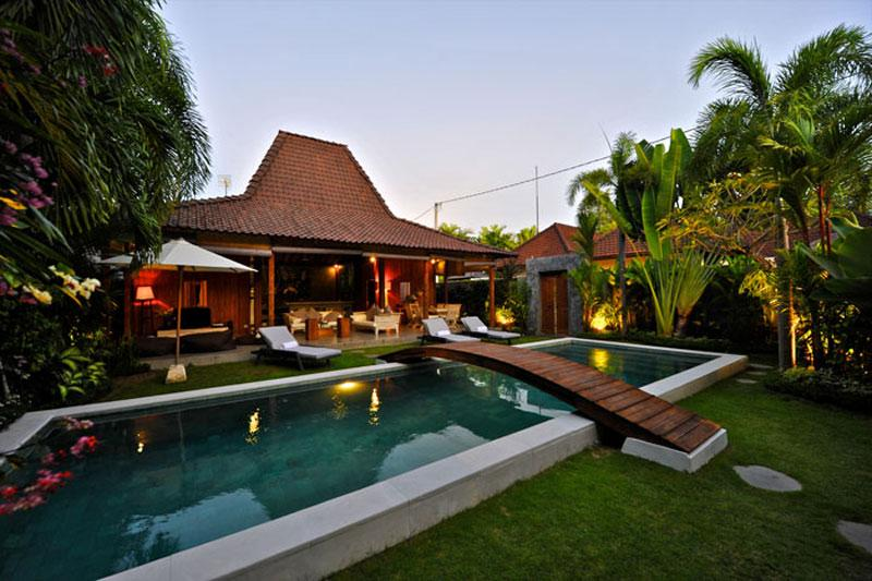 Beautiful Antique Joglo Villa In Oberoi - Image 1 - Seminyak - rentals