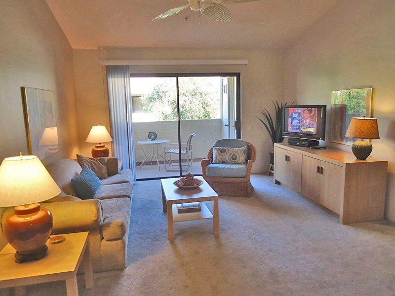 Living Room - Plaza Villas One Bedroom Upstairs Unit #520 - Palm Springs - rentals