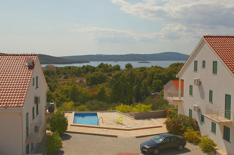 Gorgeous apartment for rent, Milna, Brac apt. 4 - Image 1 - Milna - rentals
