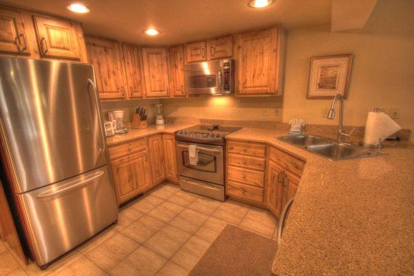 CM244 Copper Mountain Inn 1BR 2BA - Center Village - Image 1 - Copper Mountain - rentals