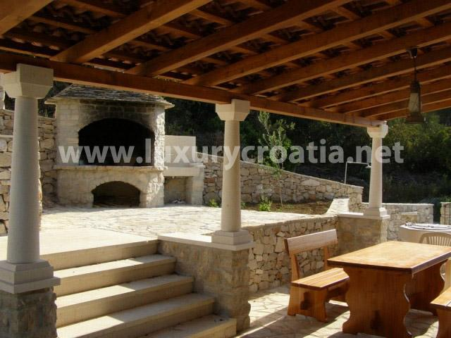 CHATEAU FOR RENT by the sea - Image 1 - Solta - rentals