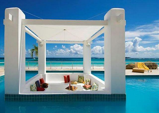 Beachfront Villa at Coral Beach Club offering 3 Bedrooms/3.5 Bathrooms - Image 1 - Saint Martin-Sint Maarten - rentals