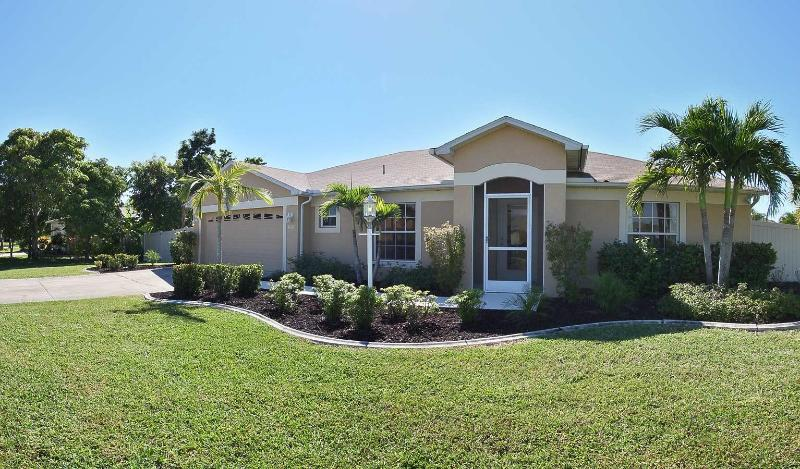 Wischis Florida Home - Lemon Tree - Lemon Tree - Cape Coral - rentals