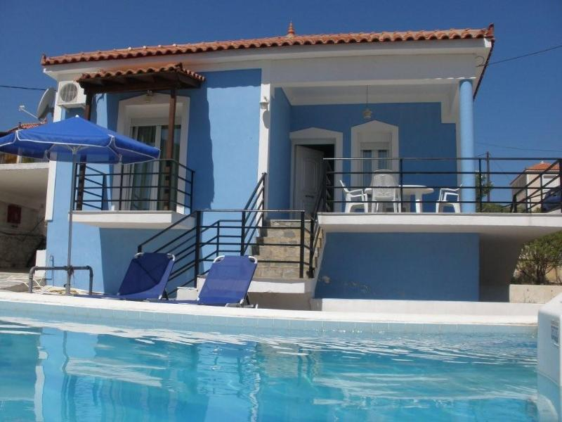 House with character and private swimming pool - Image 1 - Sámos - rentals