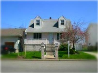 Front Elevation - Comfortable Home in Forest Park - Near Manhattan - Secaucus - rentals