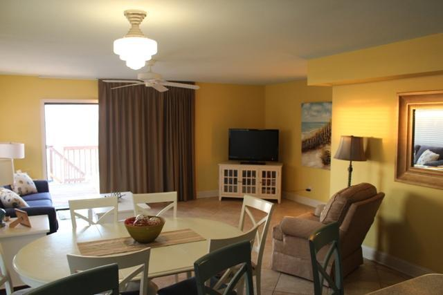 Dining and living room - SeaBell on the Beach - Gulf Shores - rentals