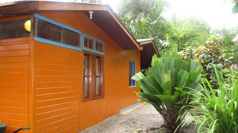 Casa Mango: Affordable Jungle Home Beach Amenities - Image 1 - Puerto Viejo de Talamanca - rentals