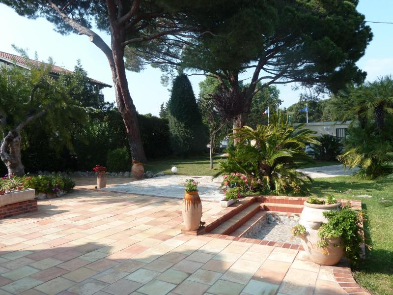 Cannes La Napoule Beautiful Villa 50m From The Sea - Image 1 - Cap d'Ail - rentals