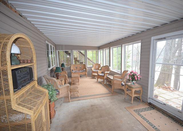 Lakefront Retreat - Image 1 - Traverse City - rentals