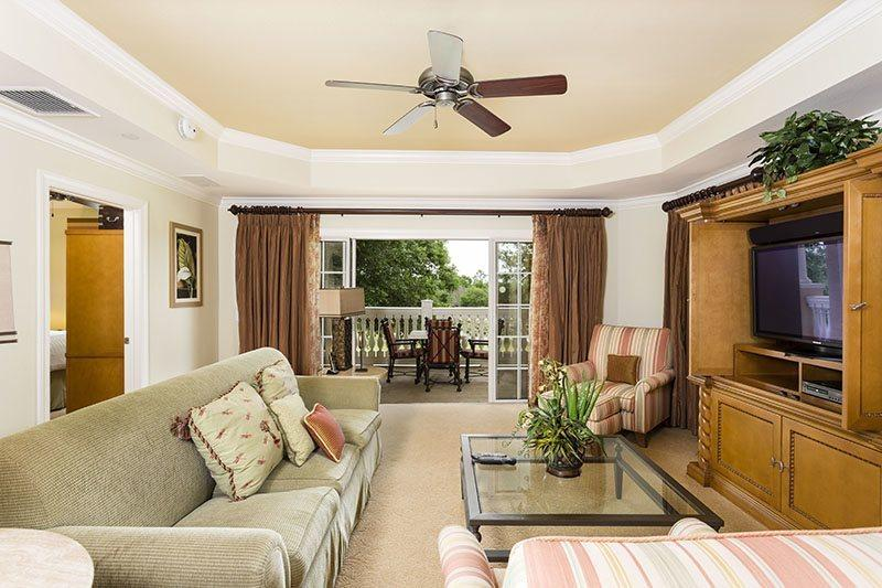 Centre Court Luxury, 3 Bed Luxury Condo Central Location in Reunion - Image 1 - Reunion - rentals