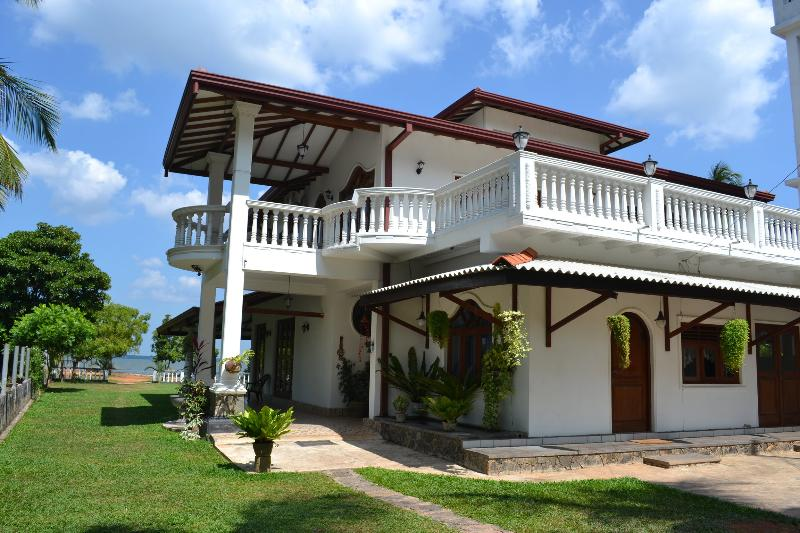 Main entrance to the Villa - Villa Barbara Sri Lanka Holiday  in Negombo - Negombo - rentals