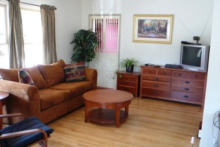 Comfy Living room, new flat screen HD-TV not shown. - LA/Atwater Village, Large Private Clean n Cozy - Los Angeles - rentals