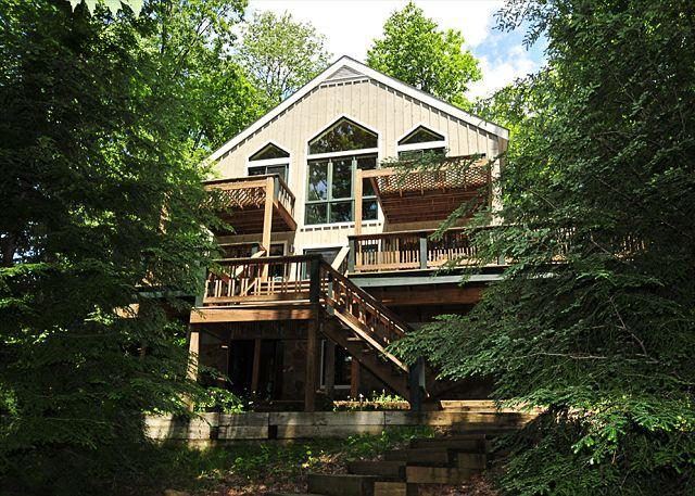 Exterior - Highland Retreat - McHenry - rentals