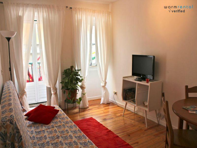Living Room  - Violet Mustard Apartment - Lisbon - rentals