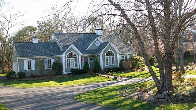 A quick walk to fantastic pond and tennis court - Large backyard family home - Marstons Mills - rentals