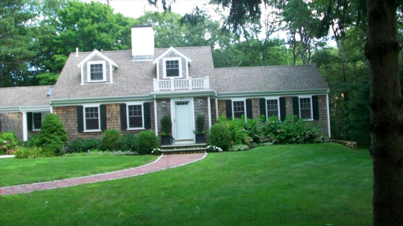 Nestled amongst woods on beautiful private road yet right next to village! - Superb details all around - Osterville - rentals