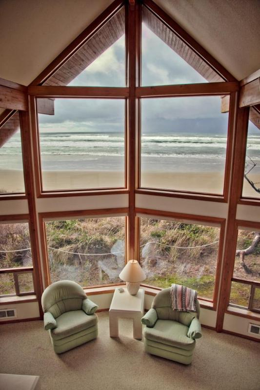 Two Story View at The Pacific Vista  - Ocean Front Home on Miles of Sandy Beach! - Yachats - rentals