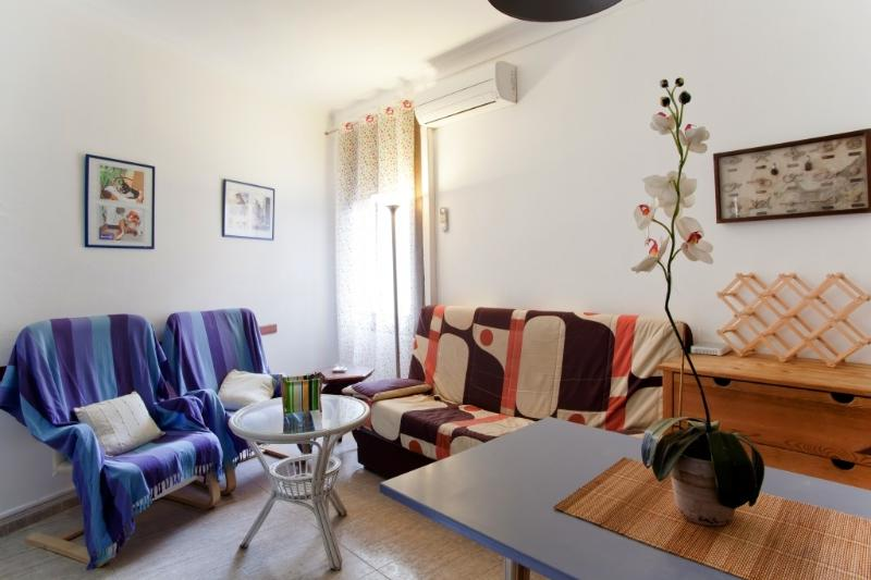 Fully equipped apartment central area-Barcelona 2 - Image 1 - Barcelona - rentals