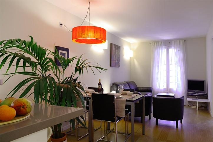 Ramblas apartment for 6 guests - Barcelona 23 - Image 1 - Barcelona - rentals