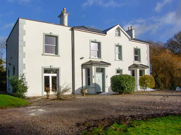 BROOKLANDS, woodburners, open fire, ample parking, river in gardens, in Abergavenny, Ref 21818 - Image 1 - Abergavenny - rentals