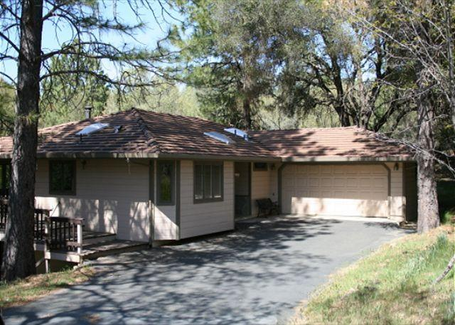 Great Location to walk to Lake Lodge Beach, Tennis Courts, and Playground - Image 1 - Groveland - rentals