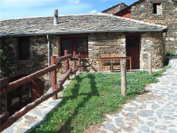 Apartment for 5 persons, with swimming pool , in Pyrenees - Image 1 - Serrat - rentals