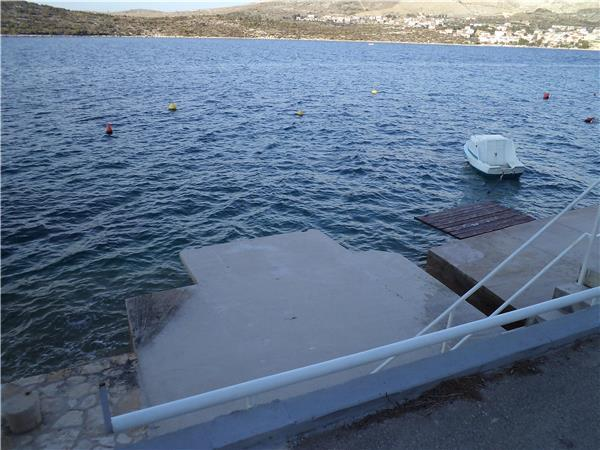 Apartment for 6 persons near the beach in Sibenik - Image 1 - Rogoznica - rentals