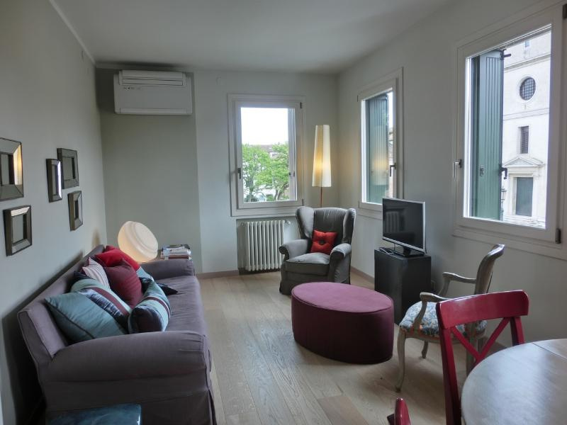 Living Room whit lovley views - PURPLE WATER APARTMENT - Venice - rentals