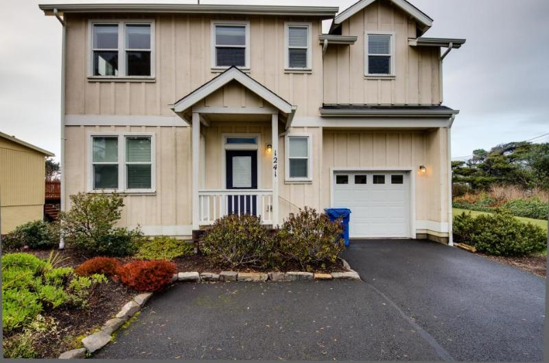 The Yellow Rose House - Image 1 - Lincoln City - rentals
