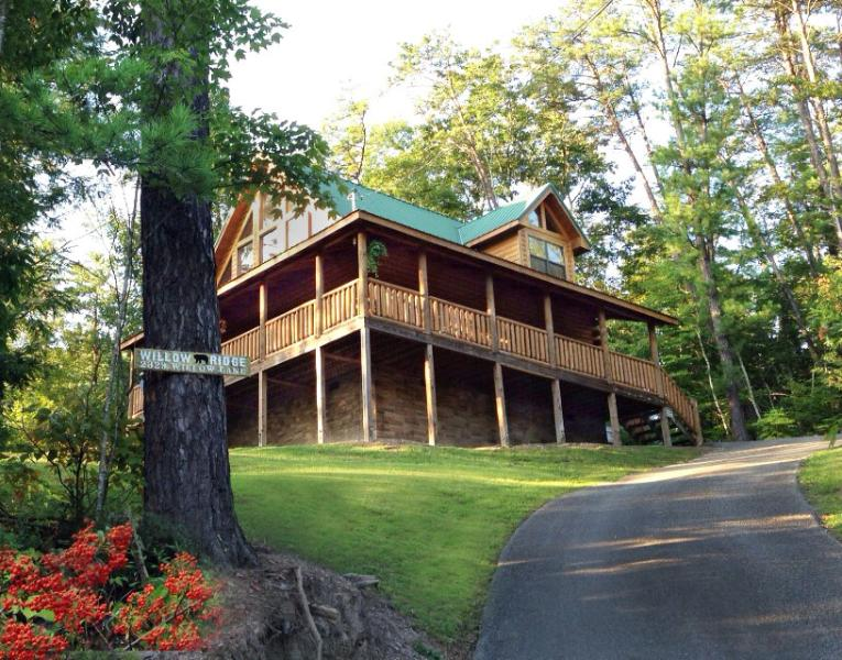 Willow Ridge: Perched on a mountainous ridge in a protected community. - Book Early for Fall Colors and Holidays! - Pigeon Forge - rentals