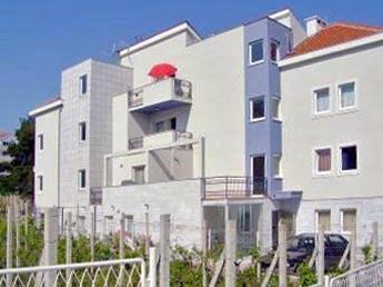 Apartment for 3 persons near the beach in Brac - Image 1 - Sutivan - rentals