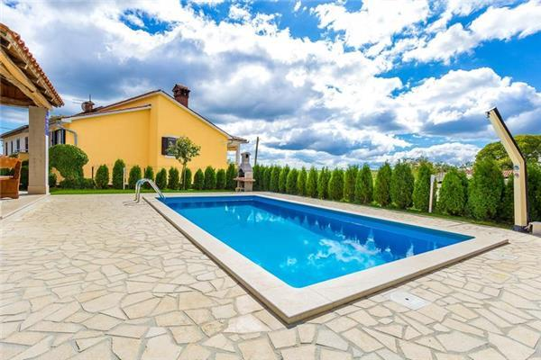 Holiday house for 10 persons, with swimming pool , in Central Istria - Image 1 - Pazin - rentals
