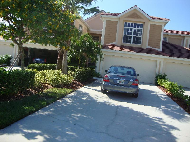 Front of Coach Home - In The Mood - Fort Myers - rentals