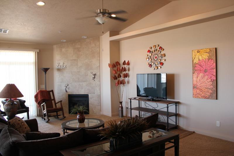 LARGEST - Living Room with Sectional Sofa - 2  - 'Sunset Views in the Desert'  -  Fantasic Views - Saint George - rentals