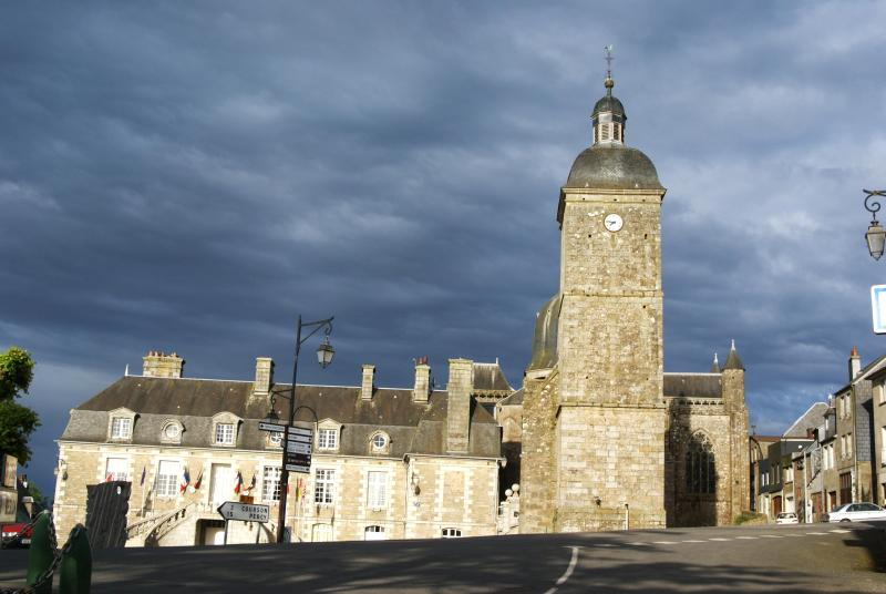 The Abbay Tower and Mairie(on the right) - GwenCameron Cottage - Saint-Sever-Calvados - rentals
