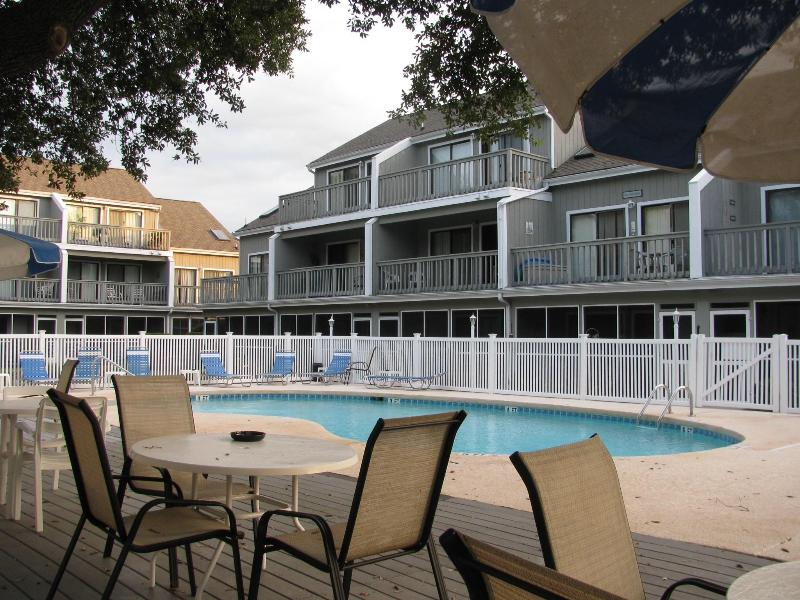 Pool area - Golf Colony Resort - Surfside Beach - rentals