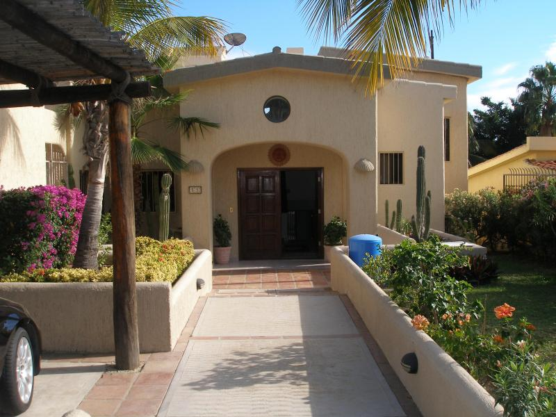 $200 / 3br - 3000ft² - 3 bd house at  Golf Course - Image 1 - San Jose Del Cabo - rentals