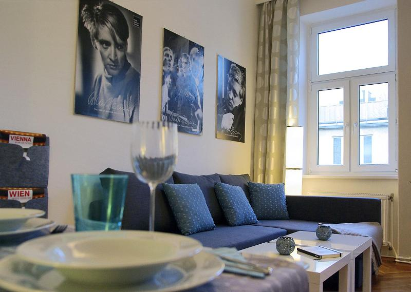 Living room with comfortable sofa/chaiselongue - Apartment Modern Vienna Ottakring - Vienna - rentals