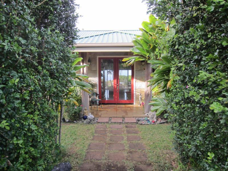 Private entry to the house - Lokahi Garden Sanctuary Main Lodge - Hawi - rentals