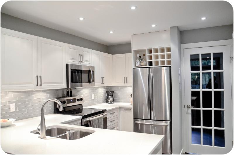 Renovated kitchen - Luxuriously Upgraded Townhouse, Ski-In/Out - Whistler - rentals
